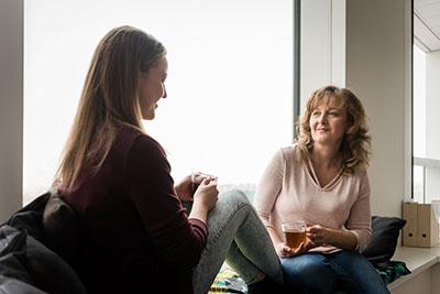 Parent-discussing-MHFA